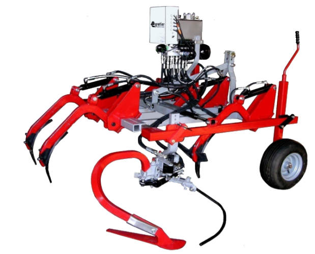 """Cadre CV6 sur terrage roues pneumatiques, équipé de dents escamotables et d'un intercep """"mini sillon"""" EGRETIER"""